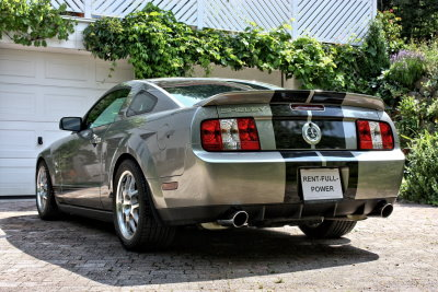 Ford Mustang Shelby GT 500 in vapor silber